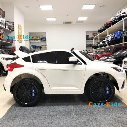 Электромобиль Ford Focus RS F777 белый (колеса резина, кресло кожа, пульт, музыка)